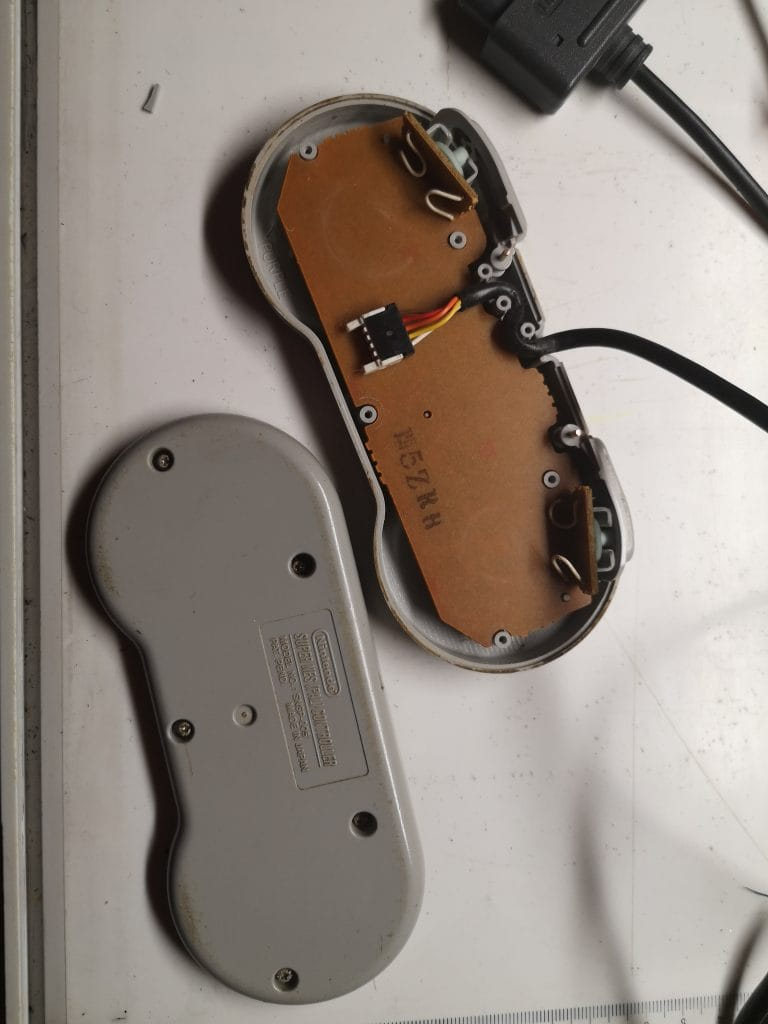 Nintendo SNES Controller reinigen